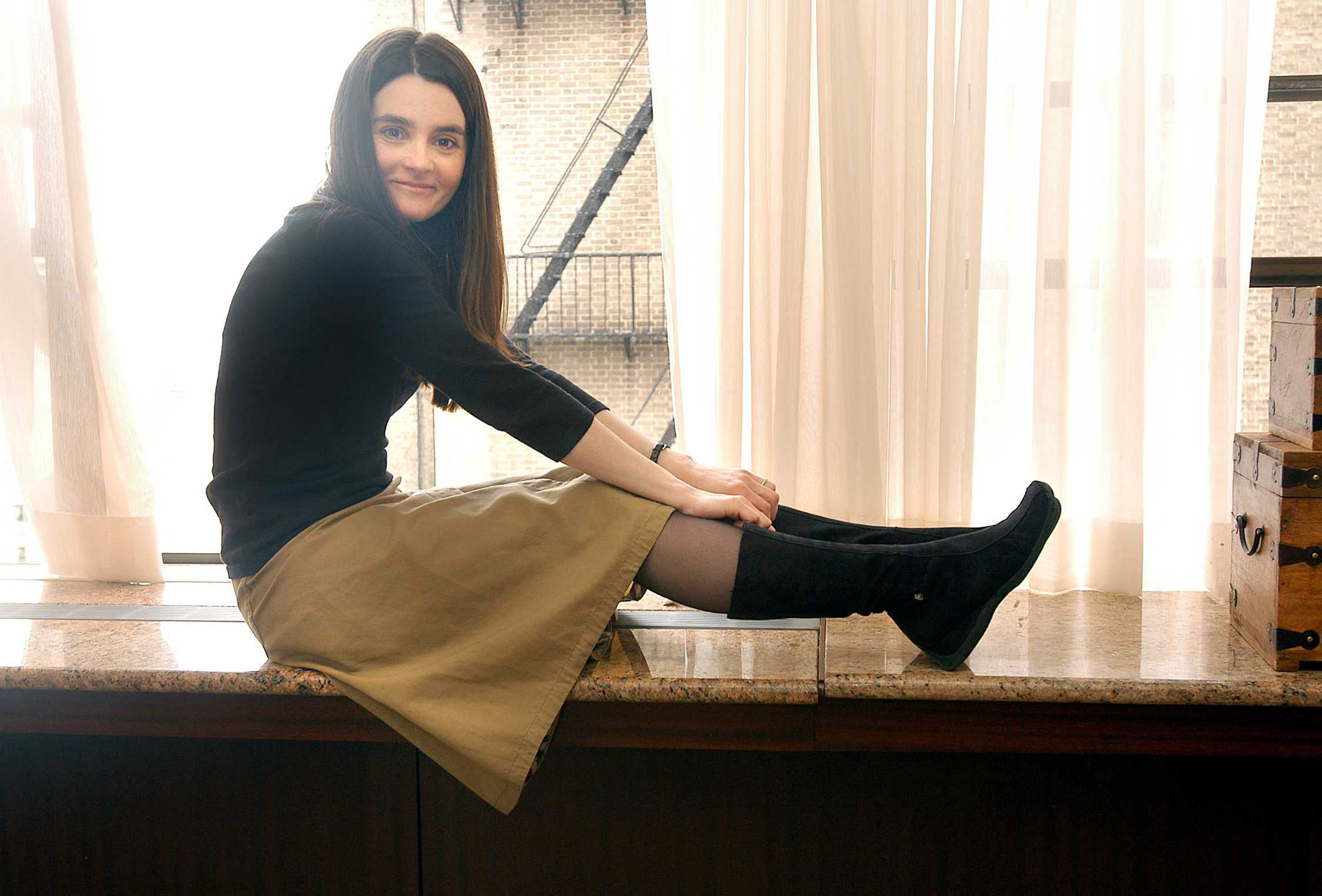 """March 2, 2004, New York, New York, USA: Known for roles in """"Bridget Jones's Diary"""", """"Trainspotting"""" and """"Harry Potter"""", Scottish actress Shirley Henderson is now promoting two of her upcoming features set to open this spring in New York and Los Angeles: """"Intermission"""", also staring Colin Farrell and Cillian Murphy is due out March 19 and """"Wilbur Wants to Kill Himself"""" is due out later this season. Credit: Victoria Will / Polaris / eyevine For further information please contact eyevine. tel: 020 8709 8709 email: info@eyevine.com www.eyevine.com"""